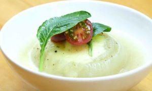 レンジで丸ごと玉ねぎスープ|すっぽんスープ使用レシピ